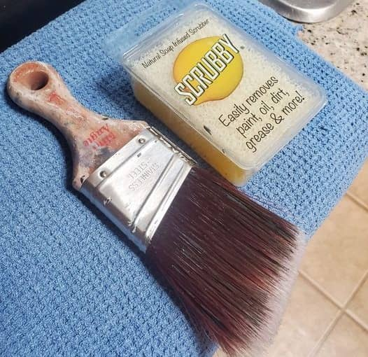 How to Clean Chalk Paint Brush