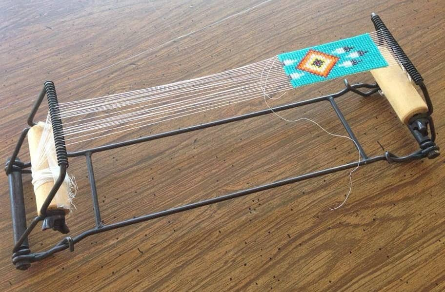 How to Use a Bead Loom – Guide by Expert