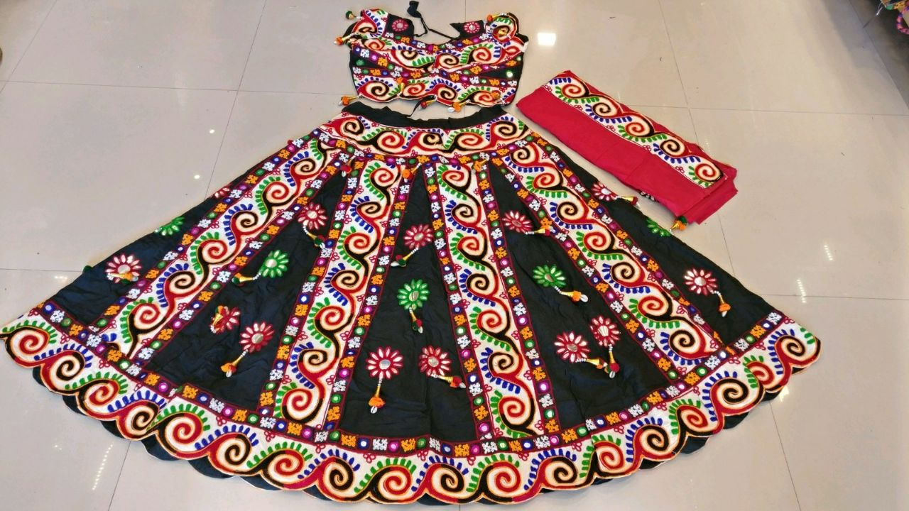 Kutchi Traditional Gamthi work Chaniya Choli Style A 02