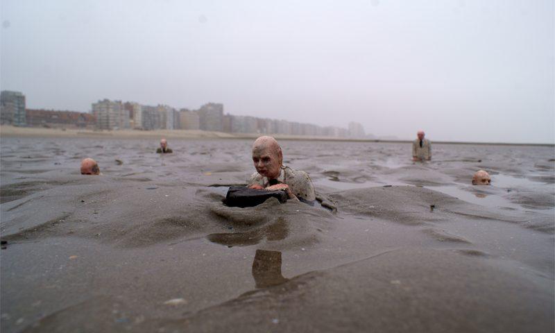 Isaac Cordal, climate change, waiting, Belgium, Beaufort 04