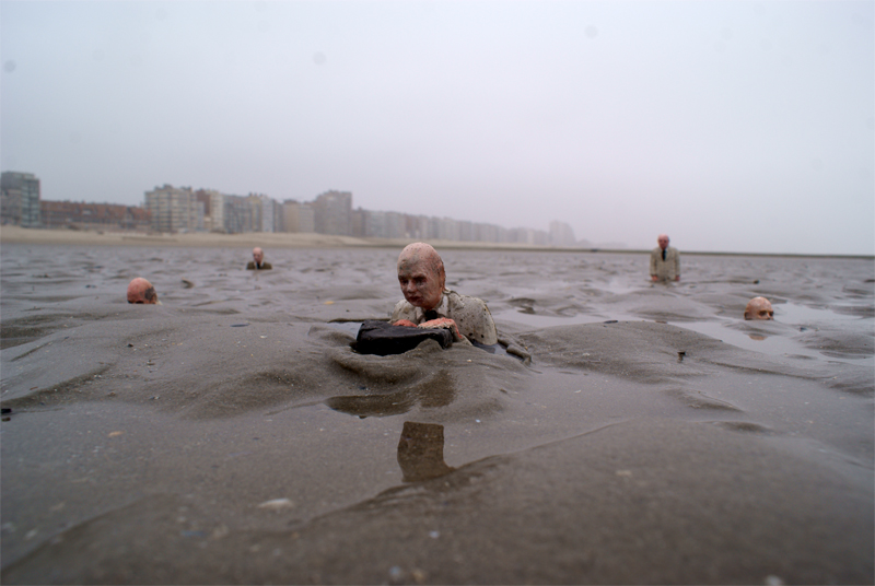 Isaac Cordal, climate change, waiting, Belgium, Beaufort 04