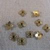 Coupelles fleur doré 8mm en métal apprêt bijoux - lot de 30