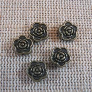 Perles fleur gravé bronze 7mm intercalaire – lot de 25