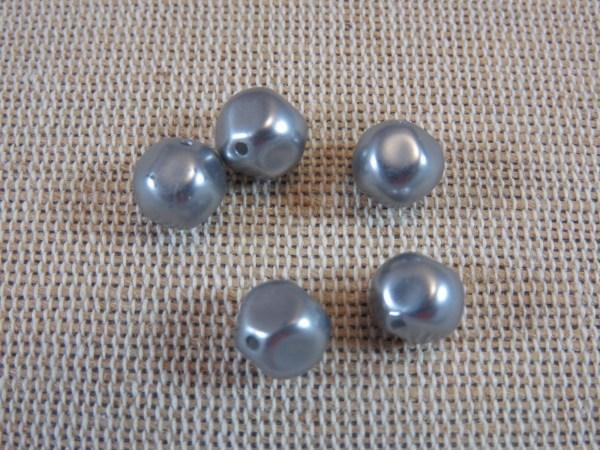 Perles grise facetté 8mm en acrylique effet métal - lot de 32