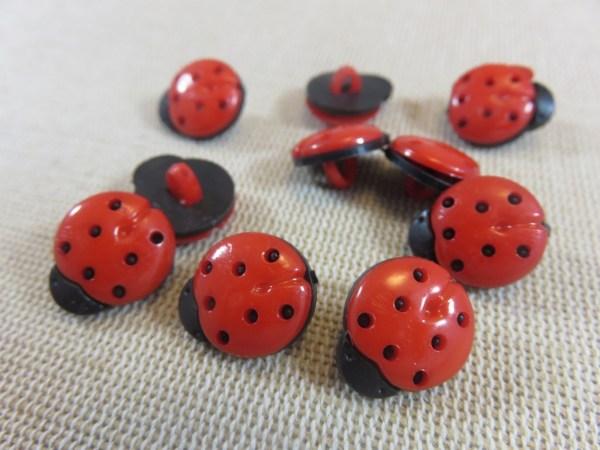 Boutons coccinelle rouge 15mm en acrylique - lot de 10