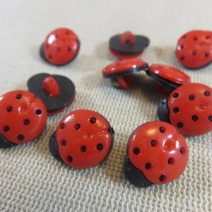 Boutons coccinelle rouge 15mm en acrylique – lot de 10