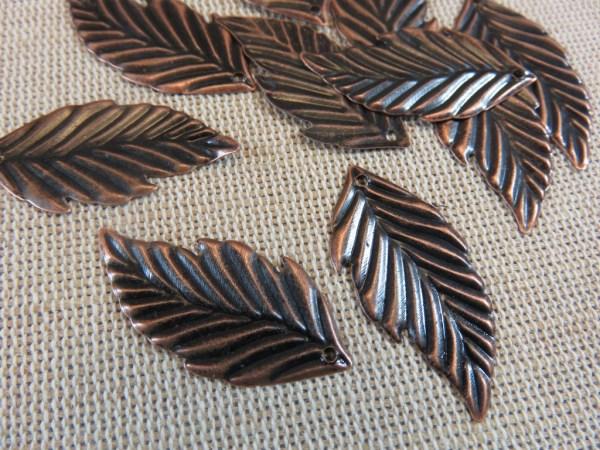 Pendentifs feuille cuivre en métal 33x16mm - lot de 10