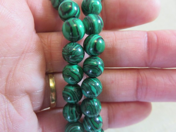 Perles Malachite synthétique 8mm verte rayé noir - lot de 10
