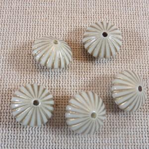 Perles soucoupe à rayure doré en acrylique 15mm – lot de 10
