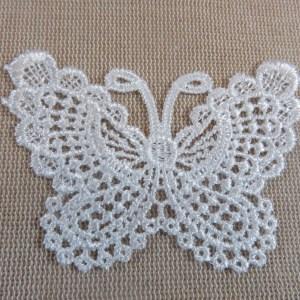 Appliqué papillon blanc dentelle écusson à coudre