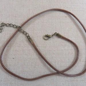 Collier cordon cuir marron 50cm avec chaînette et mousqueton bronze – lot de 5