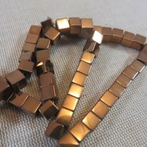 Perles Hématite cube marron 6mm carré géométrique – lot de 12
