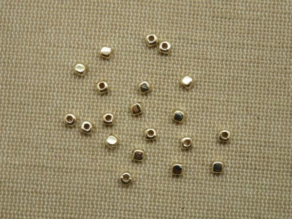 Perles cube Or 3mm CCB carré géométrique - lot de 50