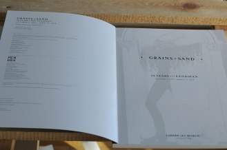 Sandman Exhibition Catalog. Grains of Sand: 25 Years of The Sandman - strony tytułowe.