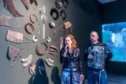 Ultrasupernatural – umělci Barbora Šlapetová a Lukáš Rittstein propojují pravěk a současnost