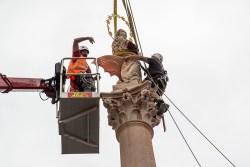 Mariánský sloup se vrátil na Staroměstské náměstí