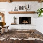 50 Best Living Room Decor Ideas With Artwork Rugs (14)