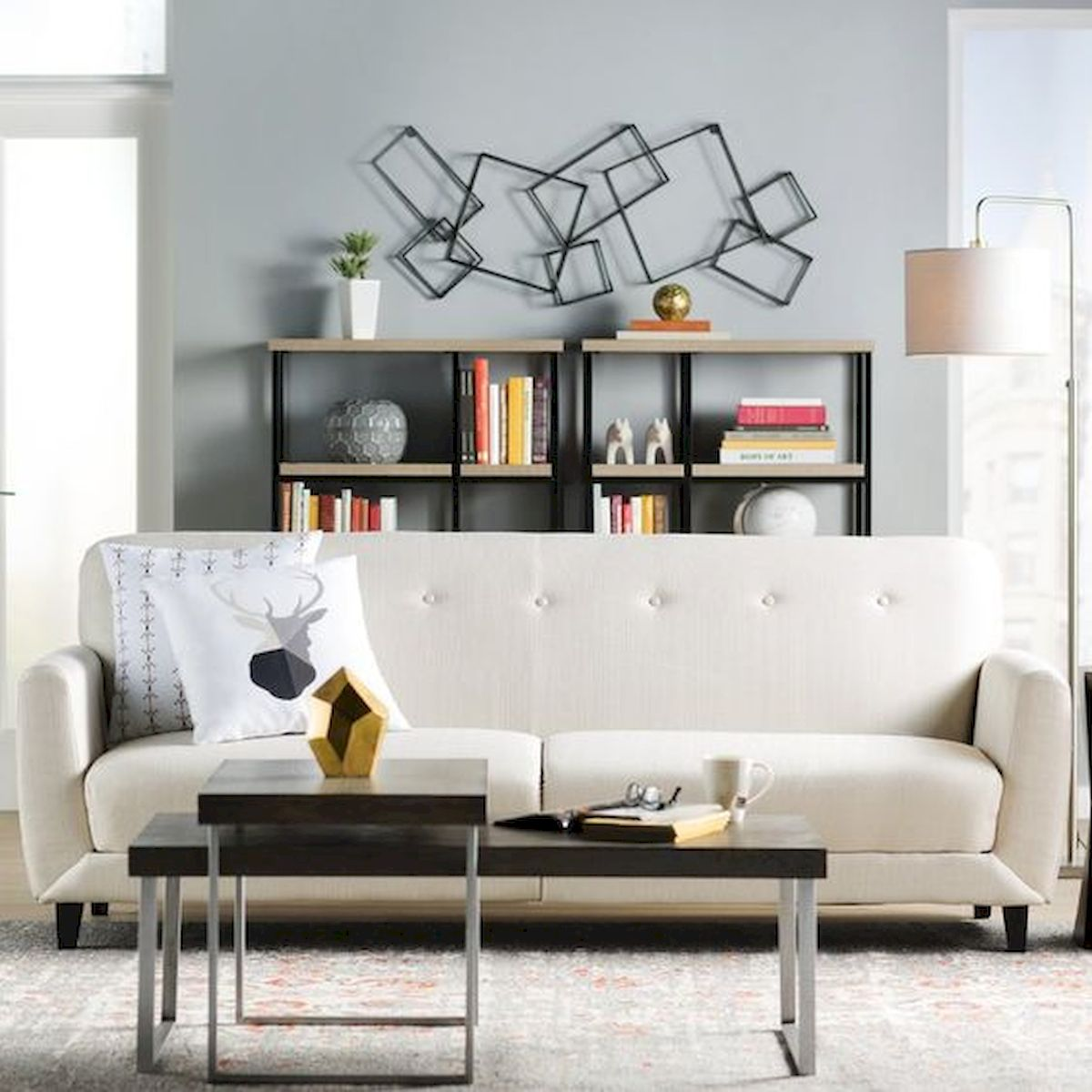 60 Living Room Decor Ideas With Artwork Coffee Tables (47)