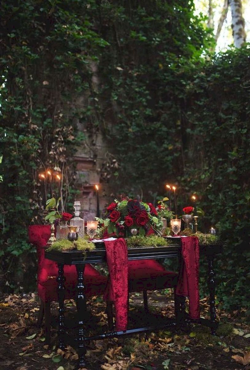 40 Awesome Halloween Wedding Decoration Ideas (12)