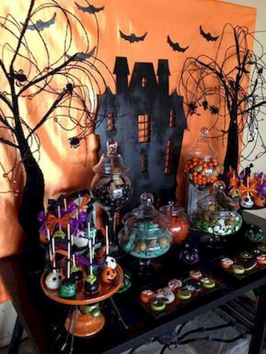 43 Cool Halloween Party Decoration Ideas (15)