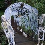 43 Cool Halloween Party Decoration Ideas (3)