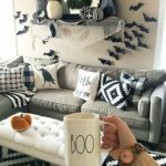 73 Gorgeous Halloween Living Room Decor Ideas (60)
