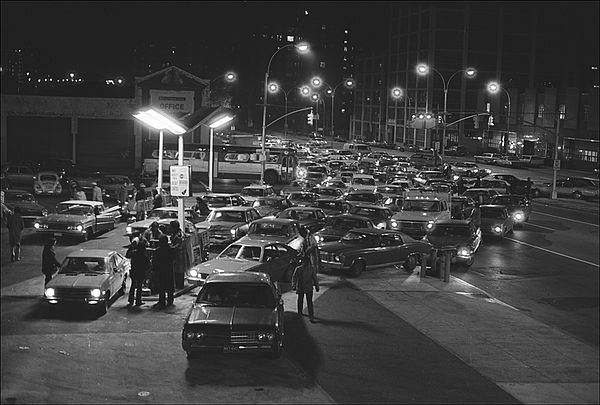 fuel shortages in 1973, 1973 oil crisis, lines for gasoline