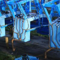 Процесс выращивания стульев