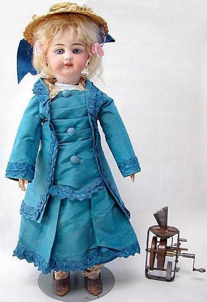 Edison-phonograph-doll-e1306299201489
