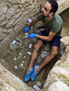 Уставший участник раскопок