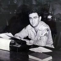 Джерри Сигел, один из создателей Супермена, 1943 г.