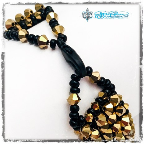 Beaded_GoldStrike_closure