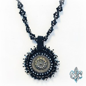 BRILLIANT Circle Cabachon Necklace