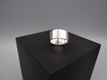 Arto Edelsmeden- Zilveren ring korte overslag, softmat en glans