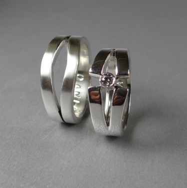 Zaagringen zilver met zirkonia zetting Arto Edelsmeden