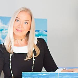 Artist Elena Lukina