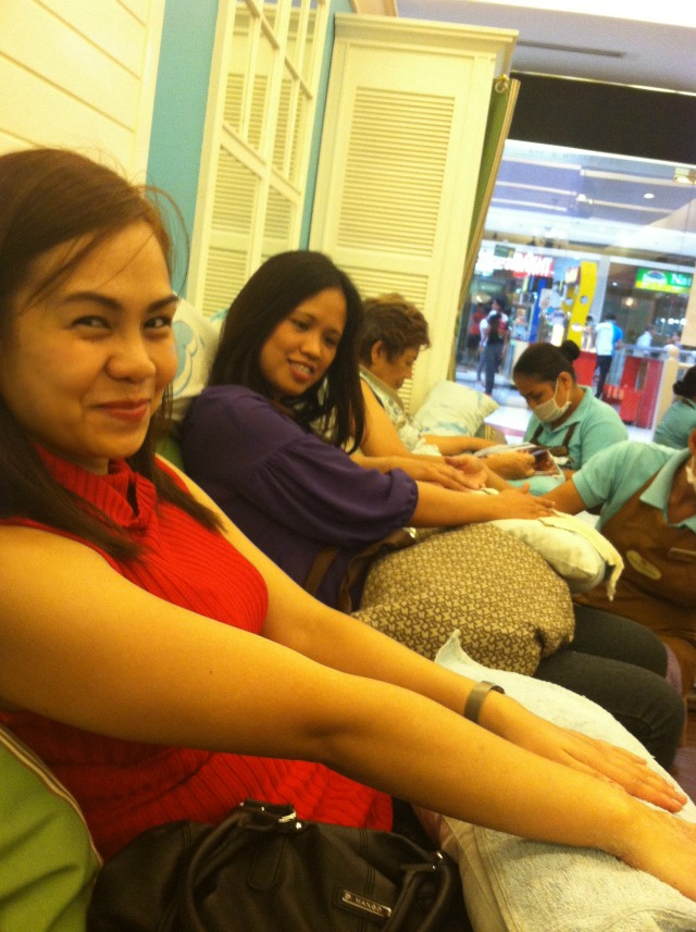 nailaholics nail salon spa manicure sm fairview art of being a mom www.artofbeingamom.com 02