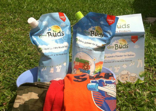 tiny buds natural baby laundry wash soap fabric softener lifestyle mommy blogger www.artofbeingamom.com04