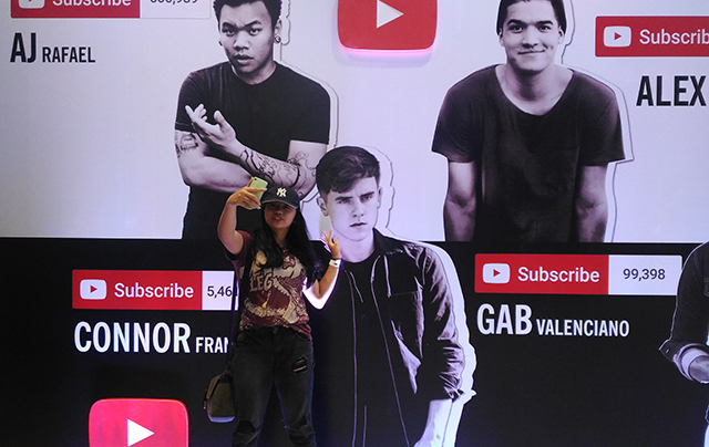 you tube fan fest 2016 connor franta world trade center lifestyle mommy blogger ww.artofbeingamom.com 01