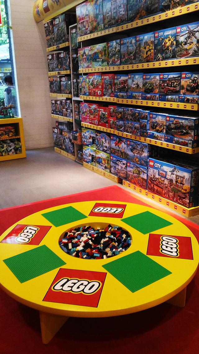 hobbes and landes lego corner bgc taguig lifestyle mommy blogger www.artofbeingamom.com 02