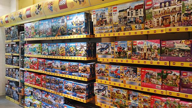 hobbes and landes lego corner bgc taguig lifestyle mommy blogger www.artofbeingamom.com 03