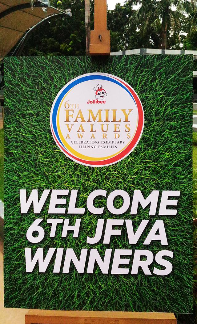 6th-jollibee-family-values-awards-jfva-winners-2016-rave-park-pasig-lifestyle-mommy-blogger-philippines-www-artofbeingamom-com-01