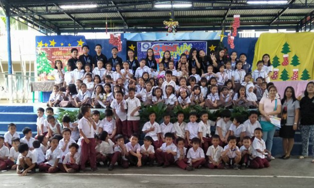 Christmas Outreach with Rosa Susano Elementary and Holy Child Academy