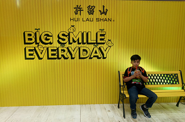 Hui Lau Shan Mango Drinks and Desserts Opens at SM Megamall