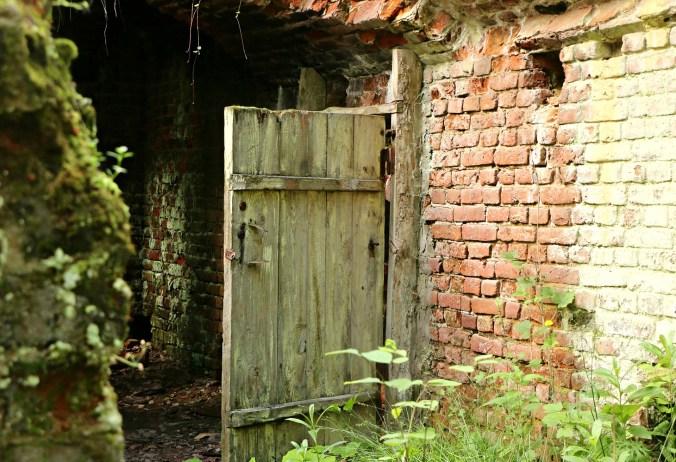 door-1534022_1920
