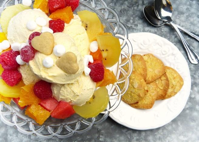 ice-cream-sundae-2367077_1920