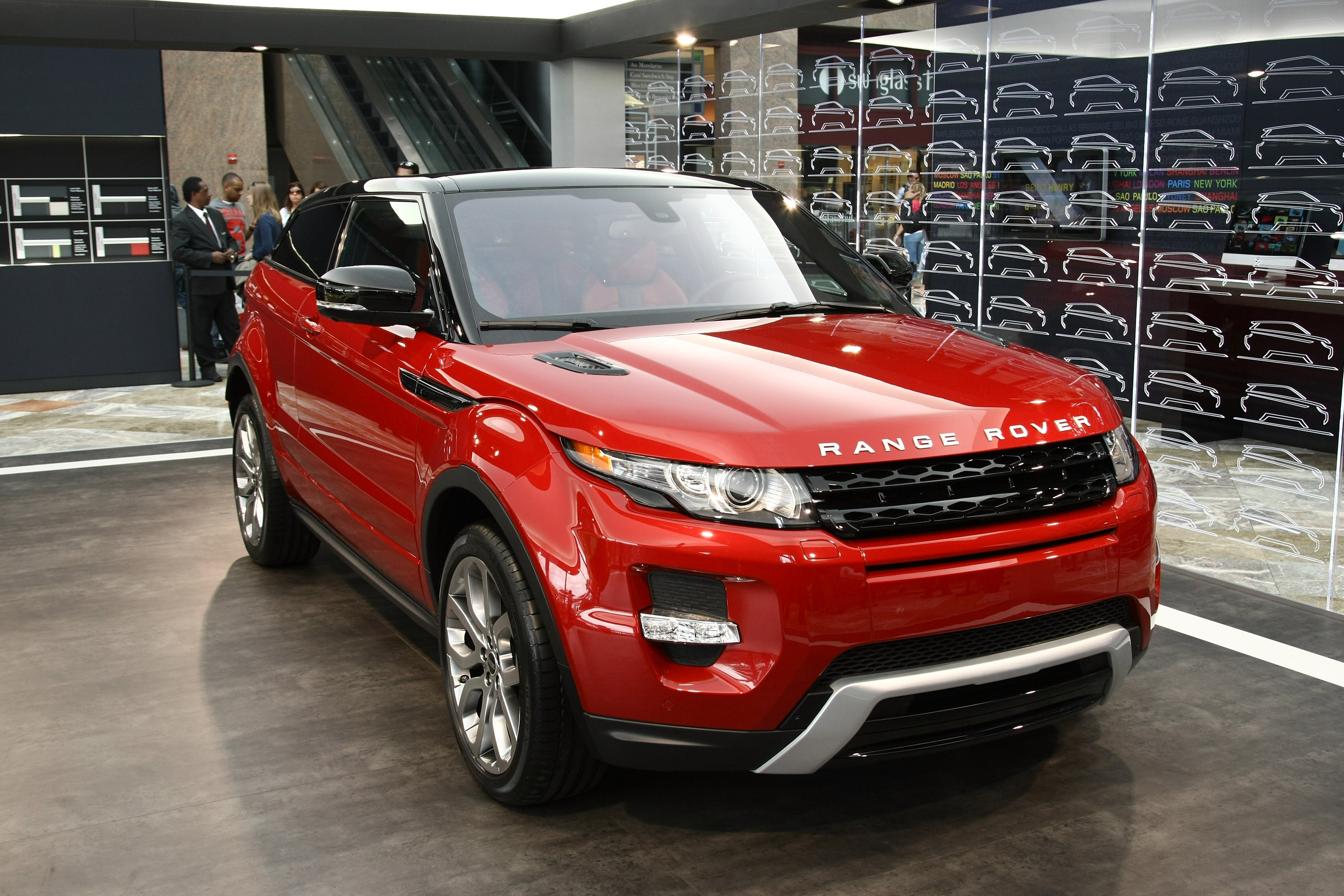Range Rover Evoque UK s Premier League Footballers Buy A Lot It