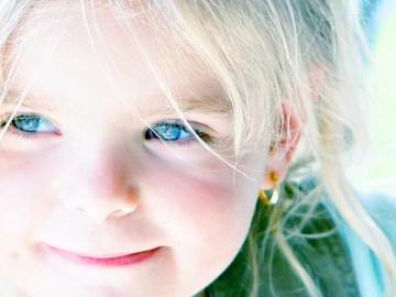 girl-blue-eyes