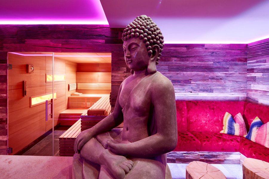 Honig Sauna mit Lounge.