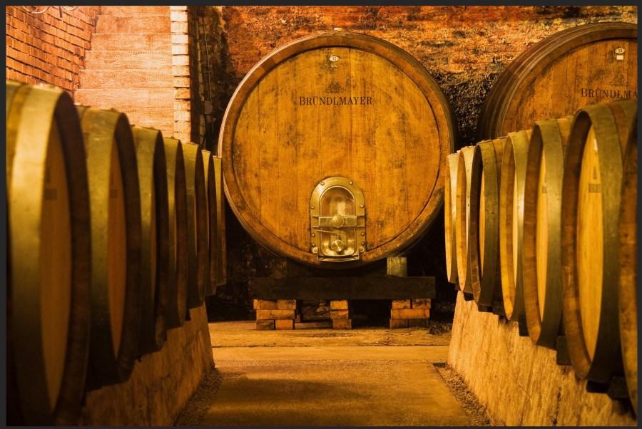 Weinlagerung im Keller
